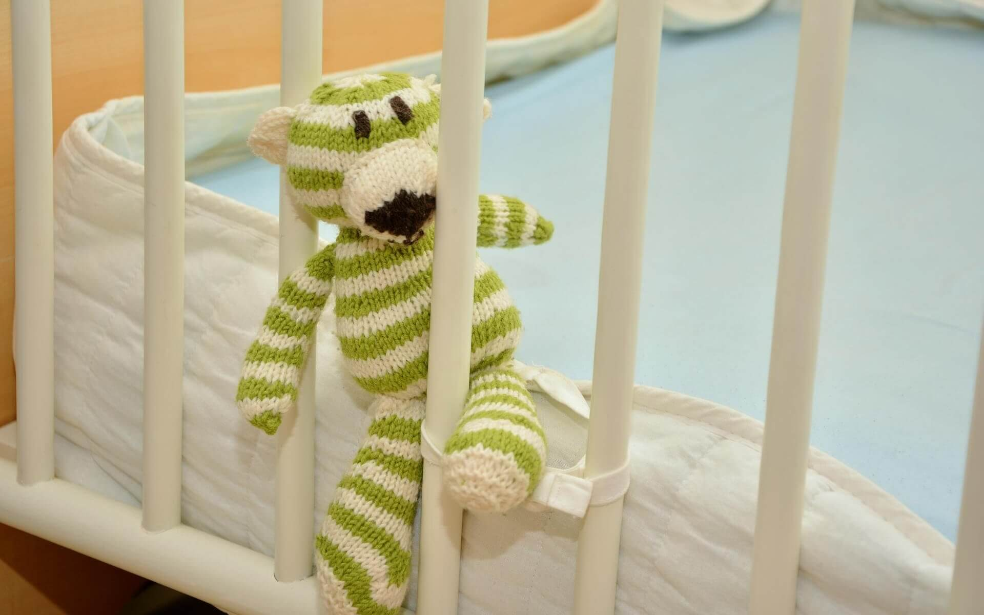 Barnfri bebissäng mjukistiger