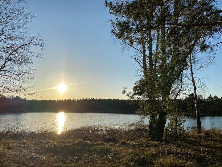 Hestra landsbygd sjö